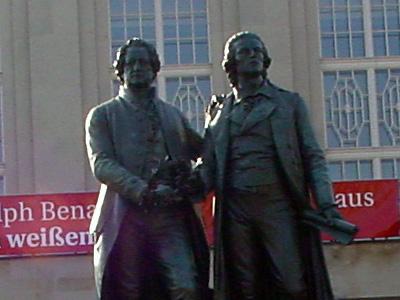 Das Goethe-Schiller-Denkmal in Weimar; Foto: uip