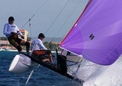 Das Boot im Gleichgewicht halten, ab in den Ausleger ...